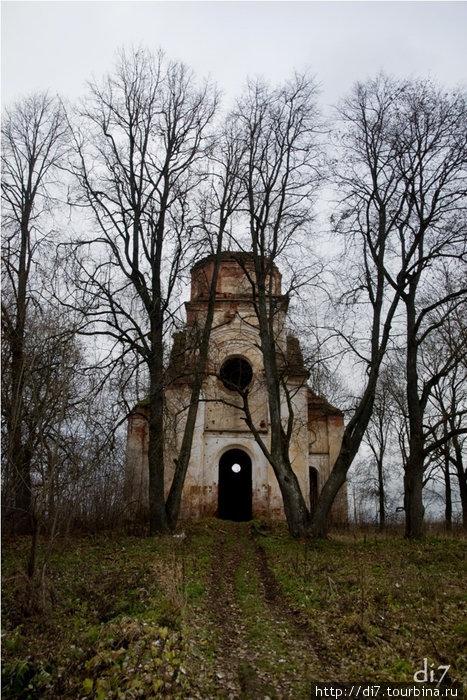 Село Югостицы, церковь Покрова Пресвятой Богородицы