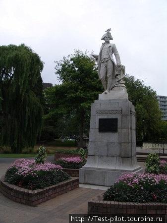 Памятник знаменитому капитану Джеймсу Куку в Крайстчёрче