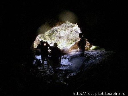 Выход из пещеры.