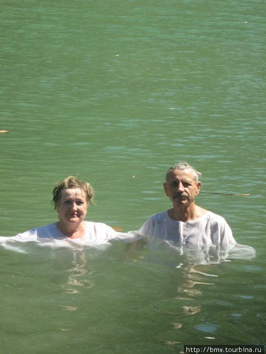 В реке Иордан.