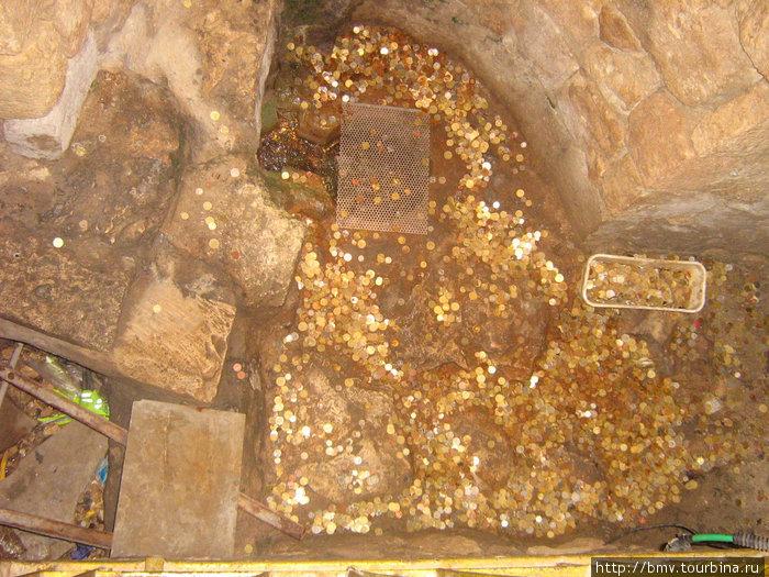 Родник в Храме Святого Гавриила в Назарете.