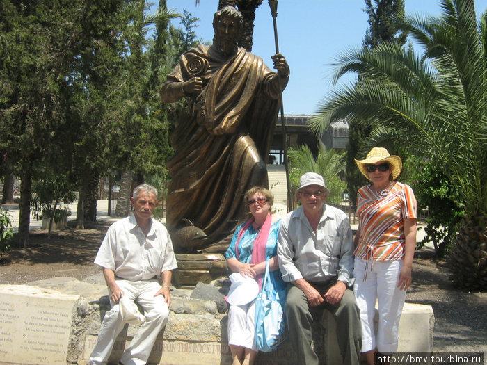 Памятник апостолу Петру в Копернауме.