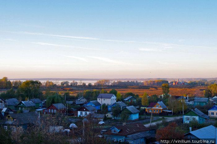 Вид на город от стен Горицкого монастыря.