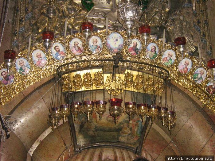 Украшения входа в Часовню в Храме Гроба Господня