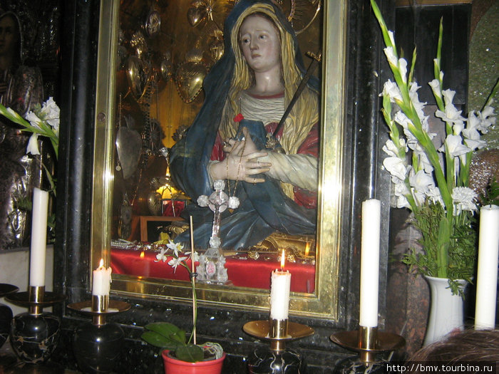 Икона на алтаре на Галгофе.