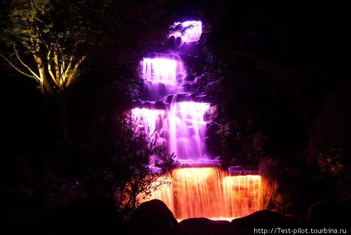 Цветной водопад