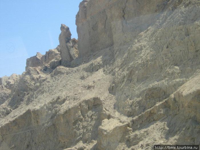 Соляные столбы у Мертвого моря.