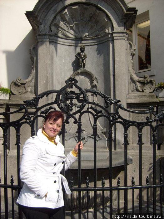 Одной из самых известных скульптур города является фонтан Писающий мальчик (Manneken Pis) (1619), сделавшийся своеобразным символом Брюсселя.