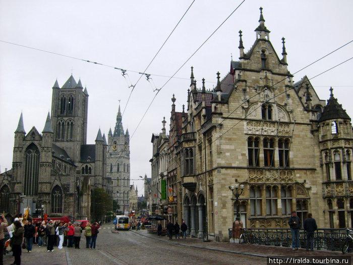 В средние века Гент был одним из самых богатых городов Европы в северной части Альпийских гор. Собор Святого Бавона — это значительная достопримечательность Гента, принадлежащая гентскому епископству.