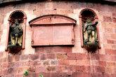 Фрагмент круглого здания в замке