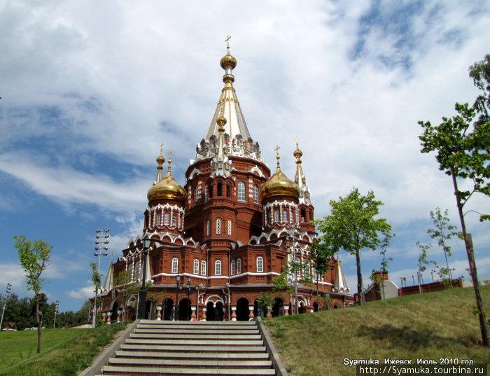 Свято-Михайловский собор.