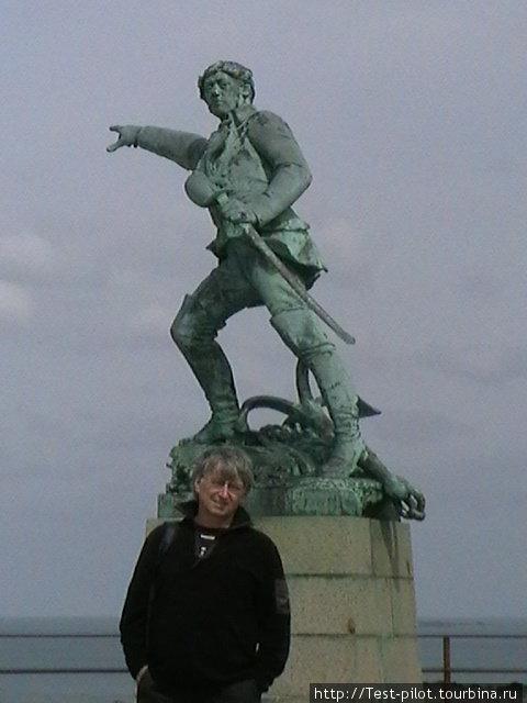 Самым знаменитым корсаром Франции был Робер Сюркуф. Имел офицерский чин, дворянское звание, и орден Почетного легиона.  Корсарство было возведено в то время в ранг государственной политики