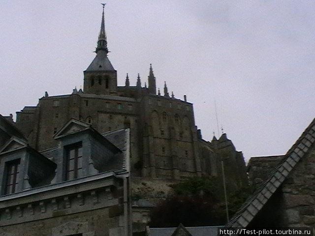 Неоготический шпиль аббатства