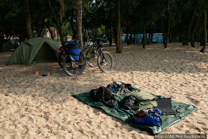 Наш лагерь на пляже。
