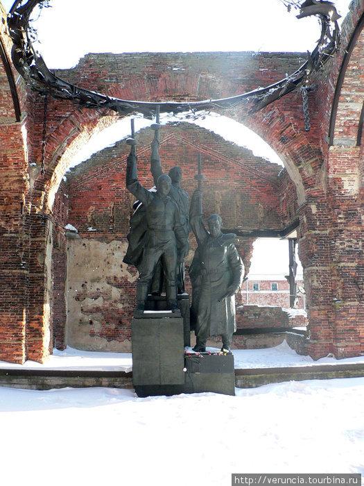 Памятник в Иоанновской це