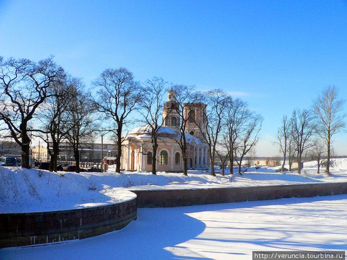 Благовещенский собор и Петровский канал.