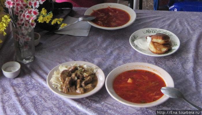 Борщ, оладьи и макароны с желудками