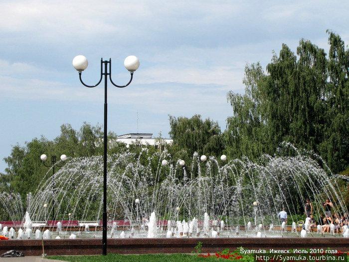 Фонтан на Центральной площади.