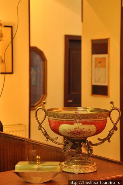 Antiques — важная часть стилистики этого мини-отеля.