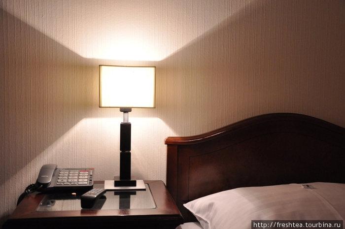 В комнате — современные удобства и виды связи: телефон, Инет... А перед сном на подушке — шоколадка :)