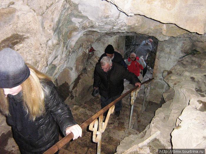 подъем к пещере Симона-канонита, ученика Иисуса Христа.