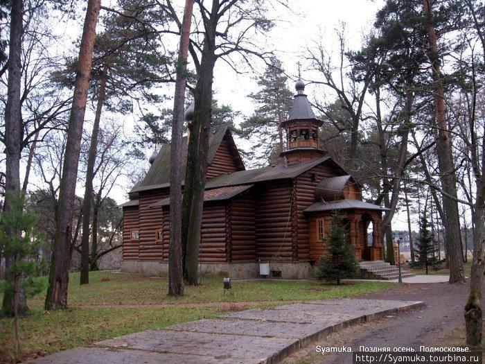 В 2005 года рядом с местом, где стояла каменная церковь, была построена временная деревянная церковь во имя Успения Божией Матери.