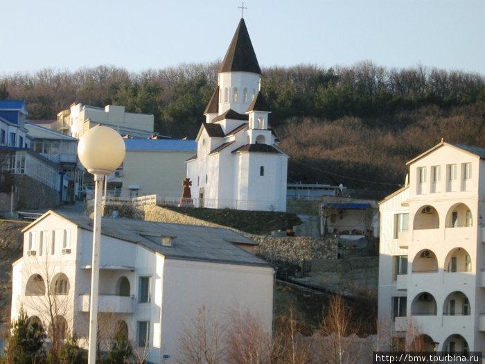 Армянская церковь в Новомихаиловске.