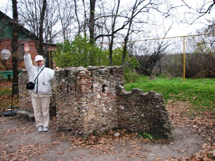 Макет крепостной стены.