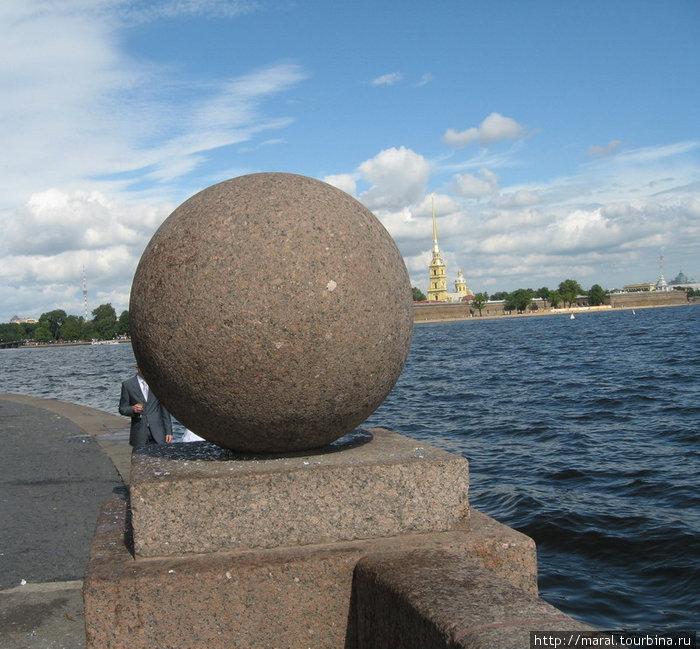 16 (27) мая 1703 г. в устье Невы на Заячьем острове была заложена Петропавловская крепость – это день основания Санкт-Петербурга