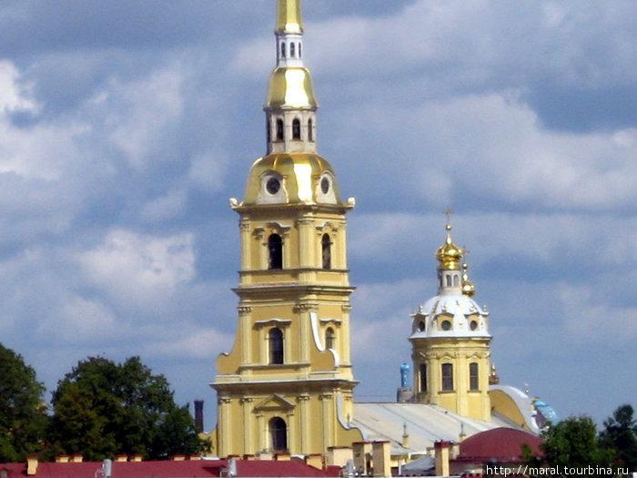 Петропавловский собор (архитектор Доменико Трезини, возведён в 1712 – 1733 гг.) — усыпальница российских императоров