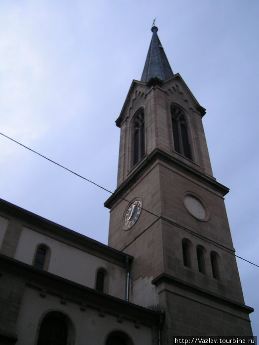 Колокольная башня церкви