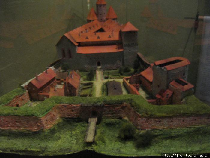 Так когда-то выглядела вся цитадель, от которой теперь осталась одна Пороховая башня