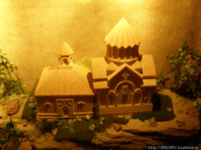 Макет одного известного храма.