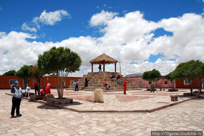 Поселок Хатум-Пукара. Центральная площадь