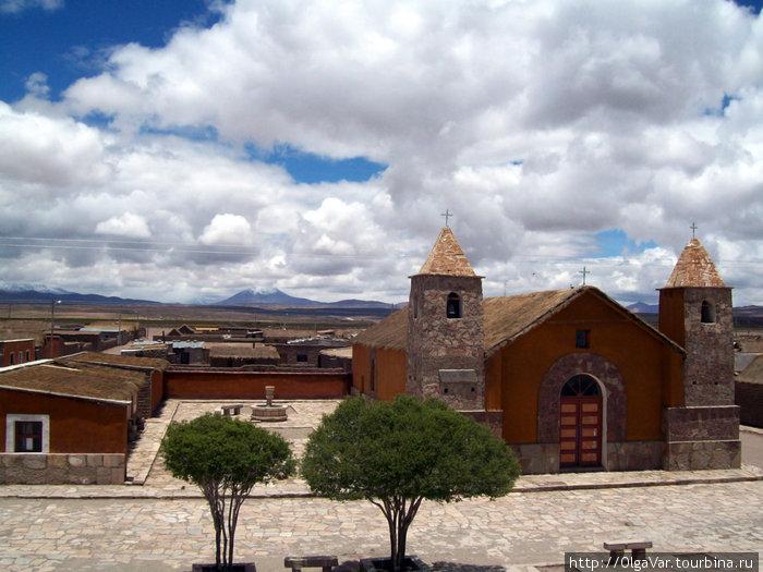 Хатум-Пукара. Церковь
