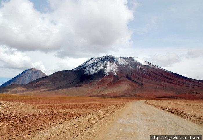 Вулкан Ликанкабур
