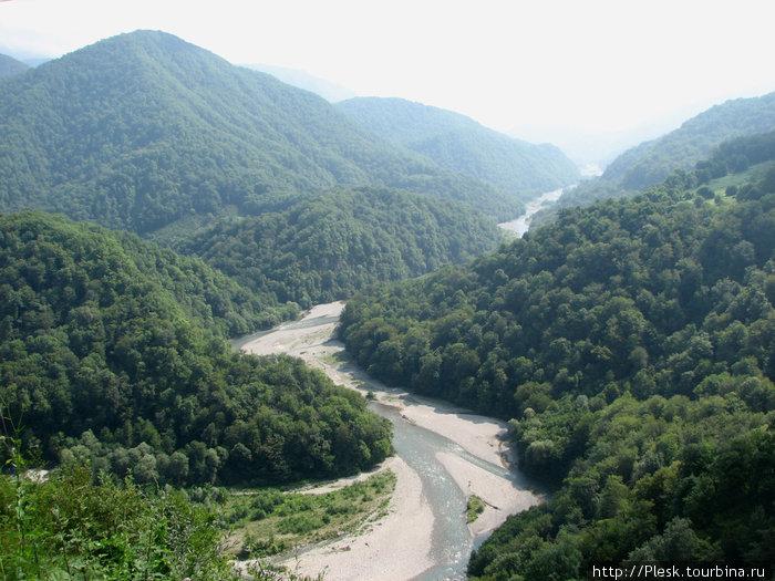 Солох-Аул. Долина реки Шахе.