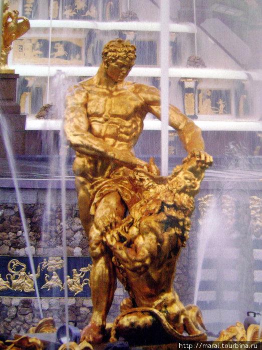 Самсон — символ Петергофа