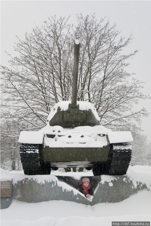 Танки у музея блокады Ленинграда