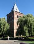 Общий вид башни-звонницы.