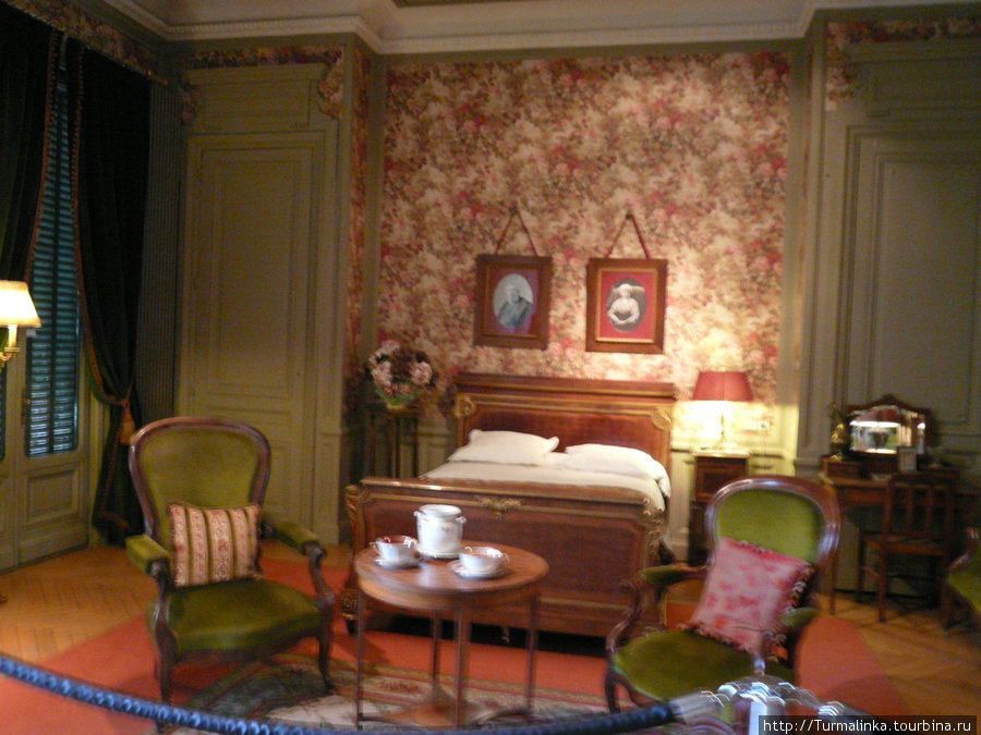 Комната отца братьев — Антуана Люмьера.