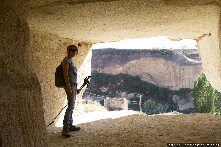 Тут, очевидно, древними строителями была задумана террасса.