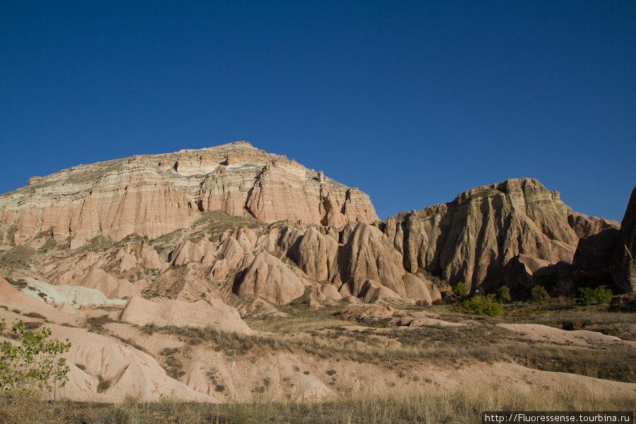 Снизу края Красной долины выглядят более впечатляющими.