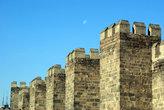 Луна над крепостью Кайсери