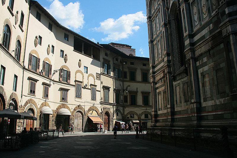 Во Флоренцию я влюбился сразу и бесповоротно. Бывает так, что какая-то пульсация города сразу совпадает с твоей и ты получаешь удовольствие от всего вокруг.