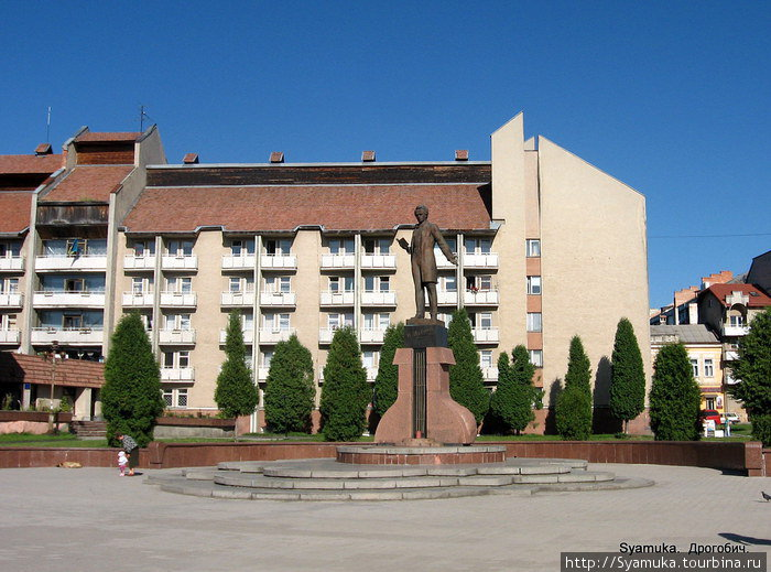 Памятник Тарасу Шевченко.