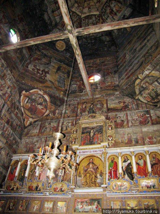 Фрагмент внутренней росписи церкви Святого Юра.  (фото varandej).