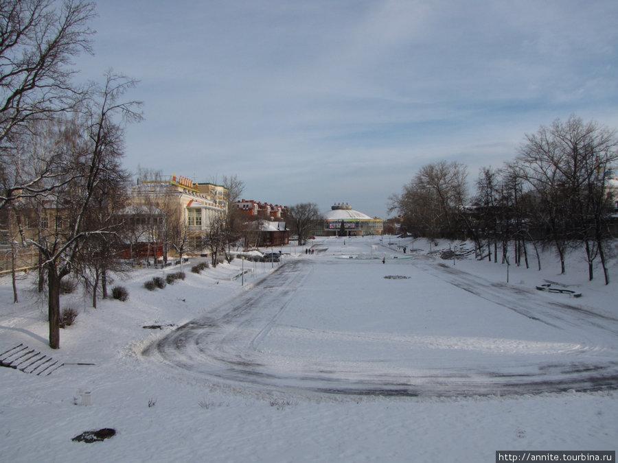 Лыбедский бульвар. Панорама с моста. Зимнее утро.