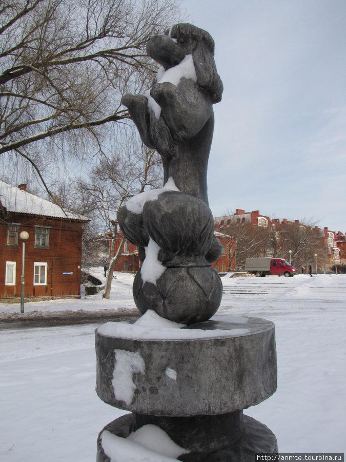 Памятник пудельку на Лыбедском бульваре.