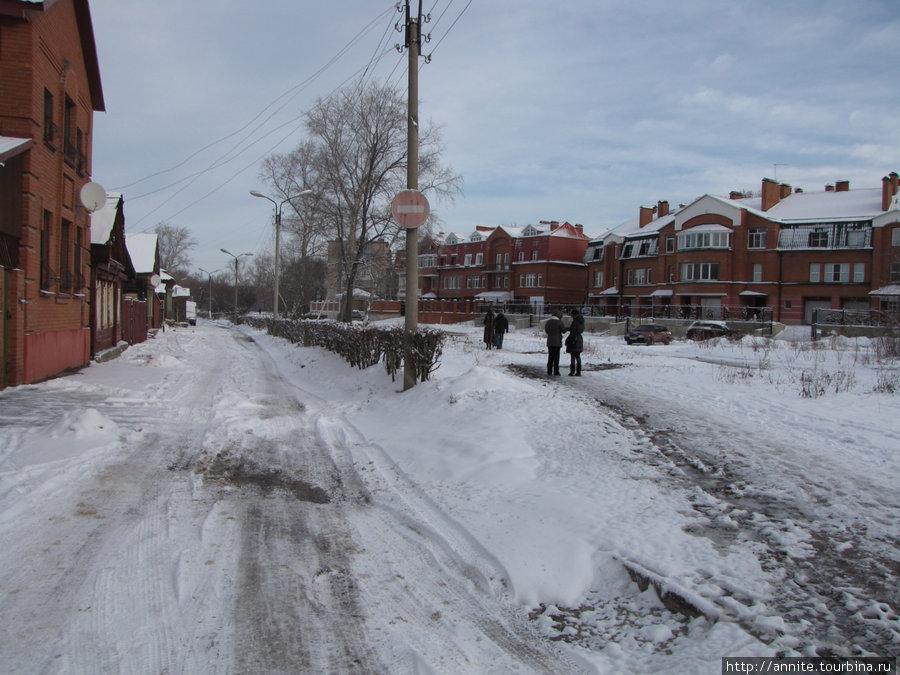ул. Лево-Лыбедская (бывшее русло реки).